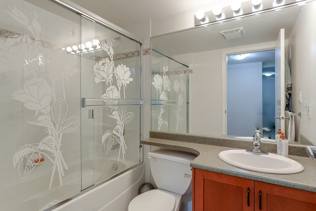 Condo Apartment at 809 2733 CHANDLERY PLACE, Unit 809, Vancouver East, British Columbia. Image 18