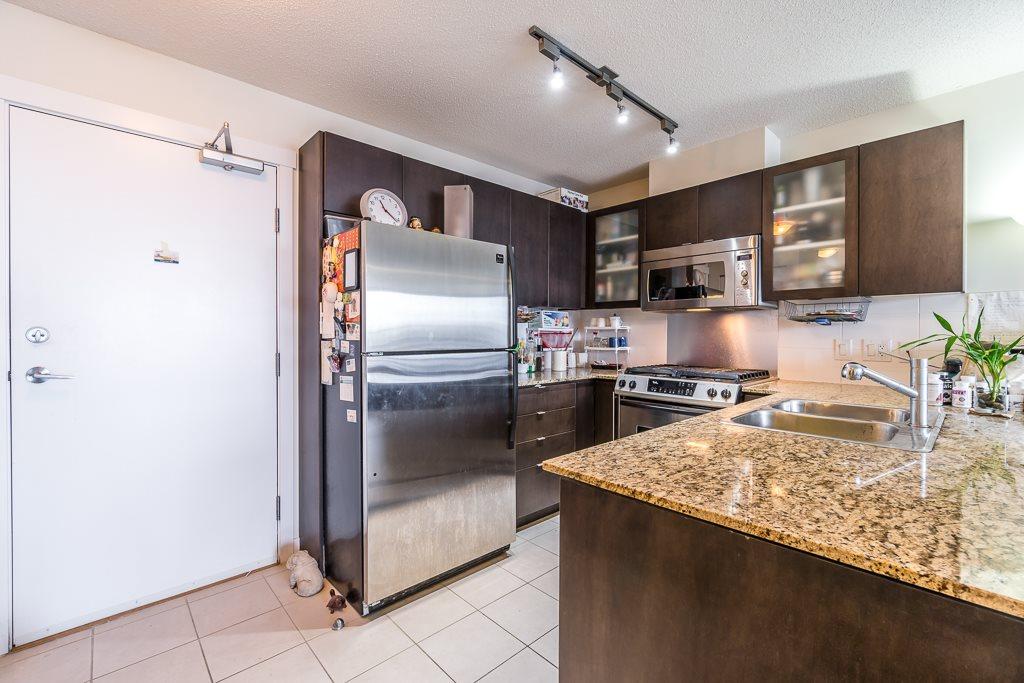 Condo Apartment at 1102 7575 ALDERBRIDGE WAY, Unit 1102, Richmond, British Columbia. Image 3