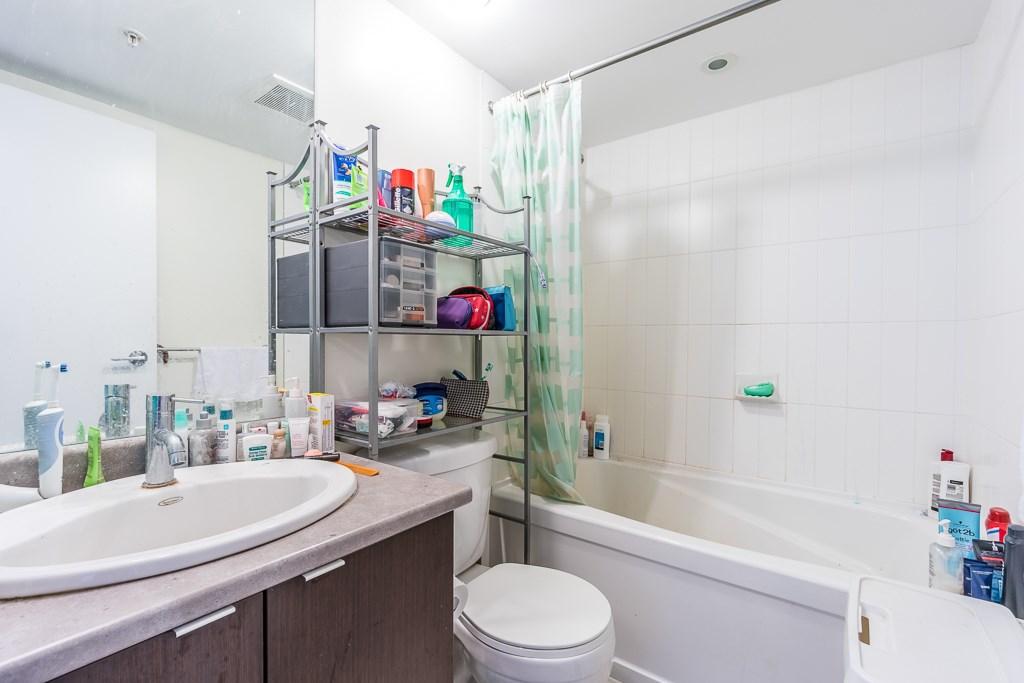 Condo Apartment at 1102 7575 ALDERBRIDGE WAY, Unit 1102, Richmond, British Columbia. Image 9