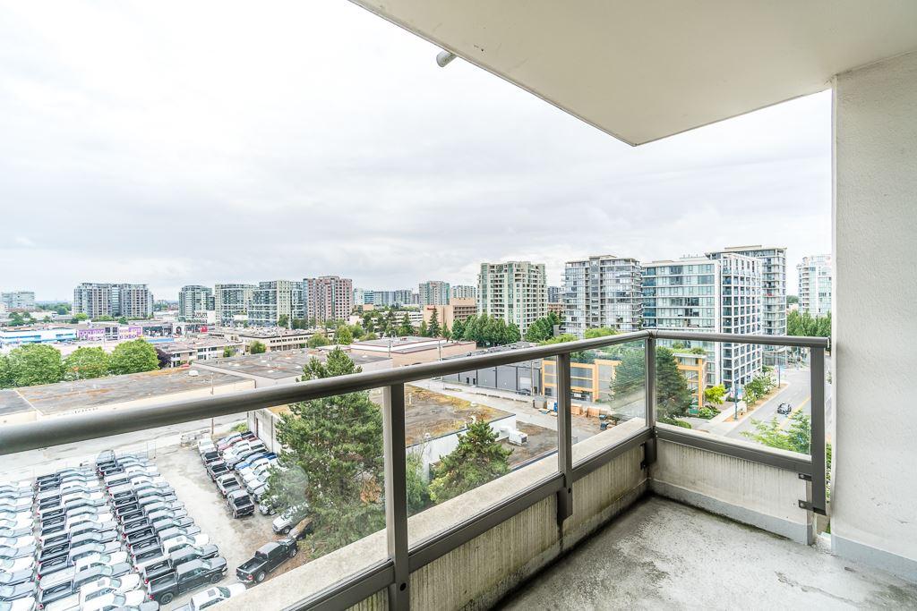 Condo Apartment at 1102 7575 ALDERBRIDGE WAY, Unit 1102, Richmond, British Columbia. Image 11