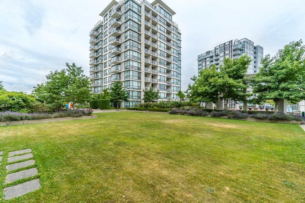 Condo Apartment at 1102 7575 ALDERBRIDGE WAY, Unit 1102, Richmond, British Columbia. Image 14
