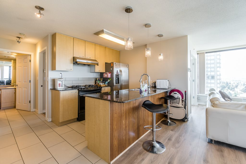 Condo Apartment at 2003 7178 COLLIER STREET, Unit 2003, Burnaby South, British Columbia. Image 3