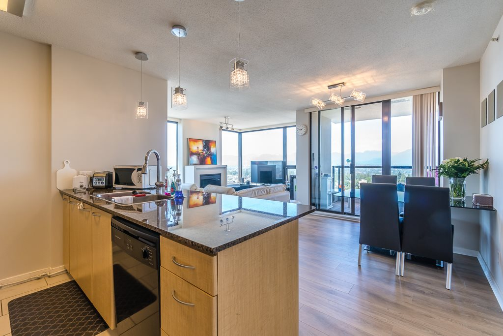 Condo Apartment at 2003 7178 COLLIER STREET, Unit 2003, Burnaby South, British Columbia. Image 4