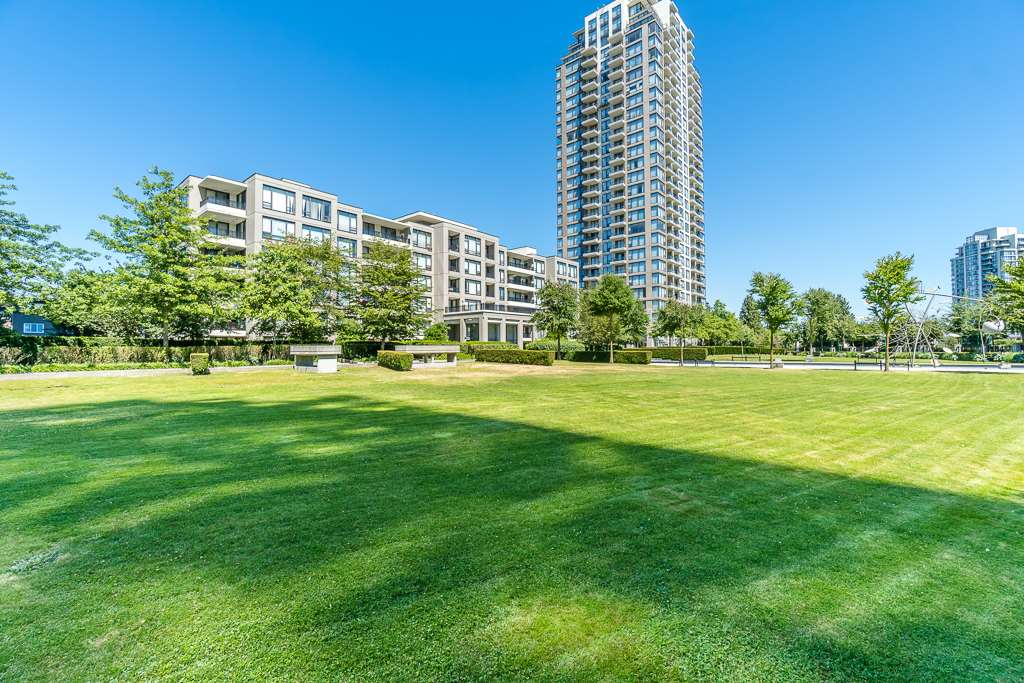 Condo Apartment at 2003 7178 COLLIER STREET, Unit 2003, Burnaby South, British Columbia. Image 5