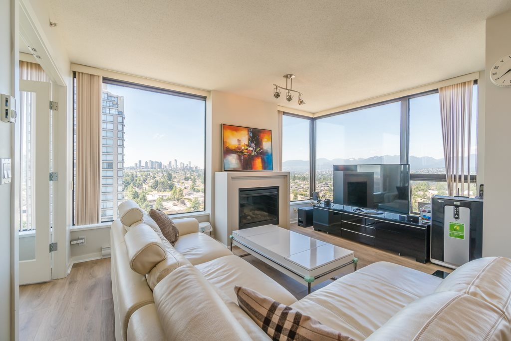 Condo Apartment at 2003 7178 COLLIER STREET, Unit 2003, Burnaby South, British Columbia. Image 7