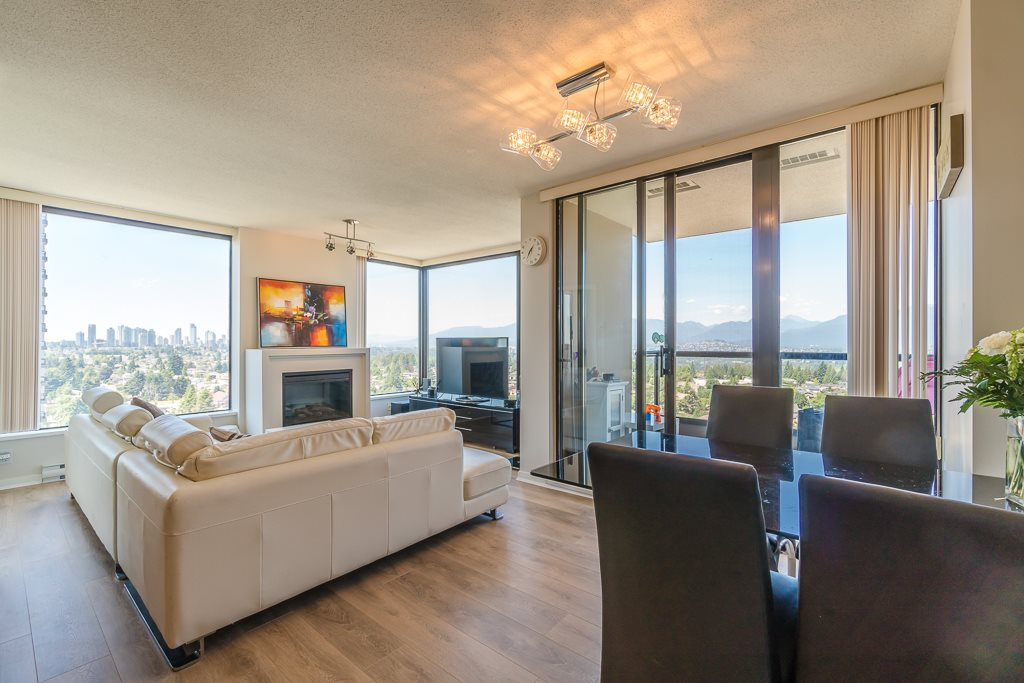 Condo Apartment at 2003 7178 COLLIER STREET, Unit 2003, Burnaby South, British Columbia. Image 9