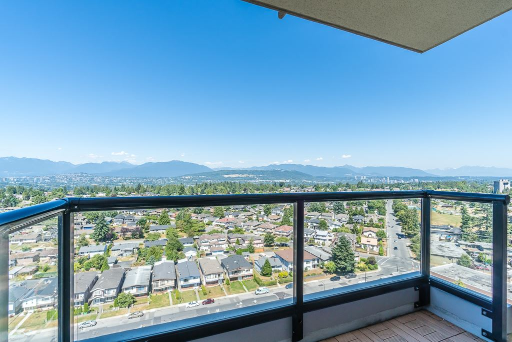 Condo Apartment at 2003 7178 COLLIER STREET, Unit 2003, Burnaby South, British Columbia. Image 11