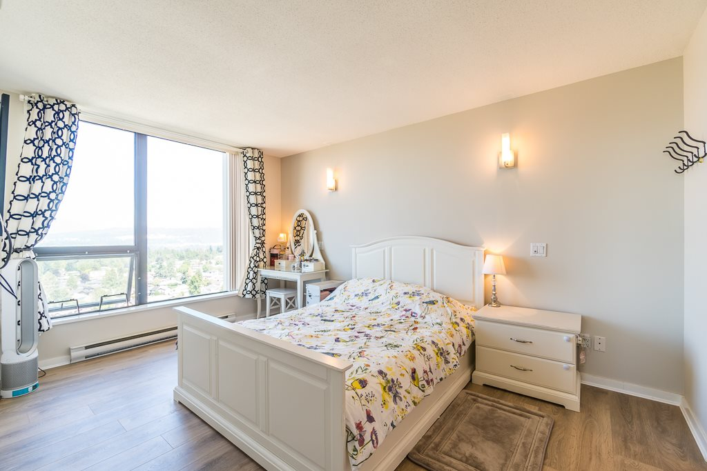 Condo Apartment at 2003 7178 COLLIER STREET, Unit 2003, Burnaby South, British Columbia. Image 14