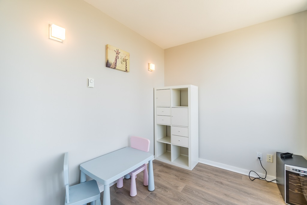 Condo Apartment at 2003 7178 COLLIER STREET, Unit 2003, Burnaby South, British Columbia. Image 17