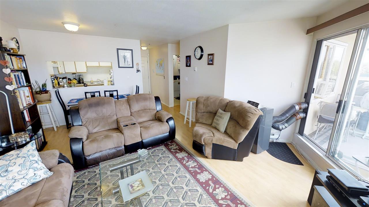 Condo Apartment at 202 918 RODERICK AVENUE, Unit 202, Coquitlam, British Columbia. Image 2