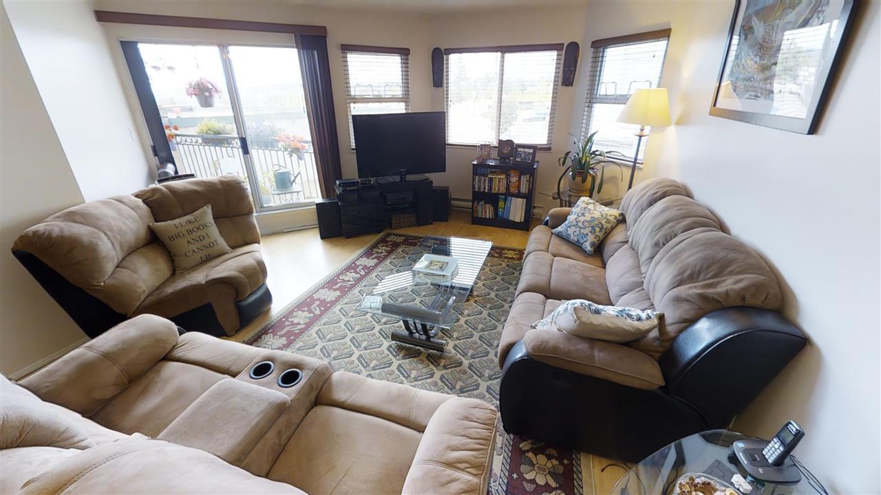 Condo Apartment at 202 918 RODERICK AVENUE, Unit 202, Coquitlam, British Columbia. Image 3