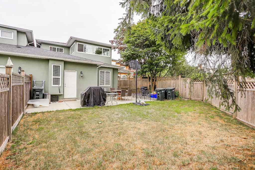 Half-duplex at 6089 WALKER AVENUE, Burnaby South, British Columbia. Image 19
