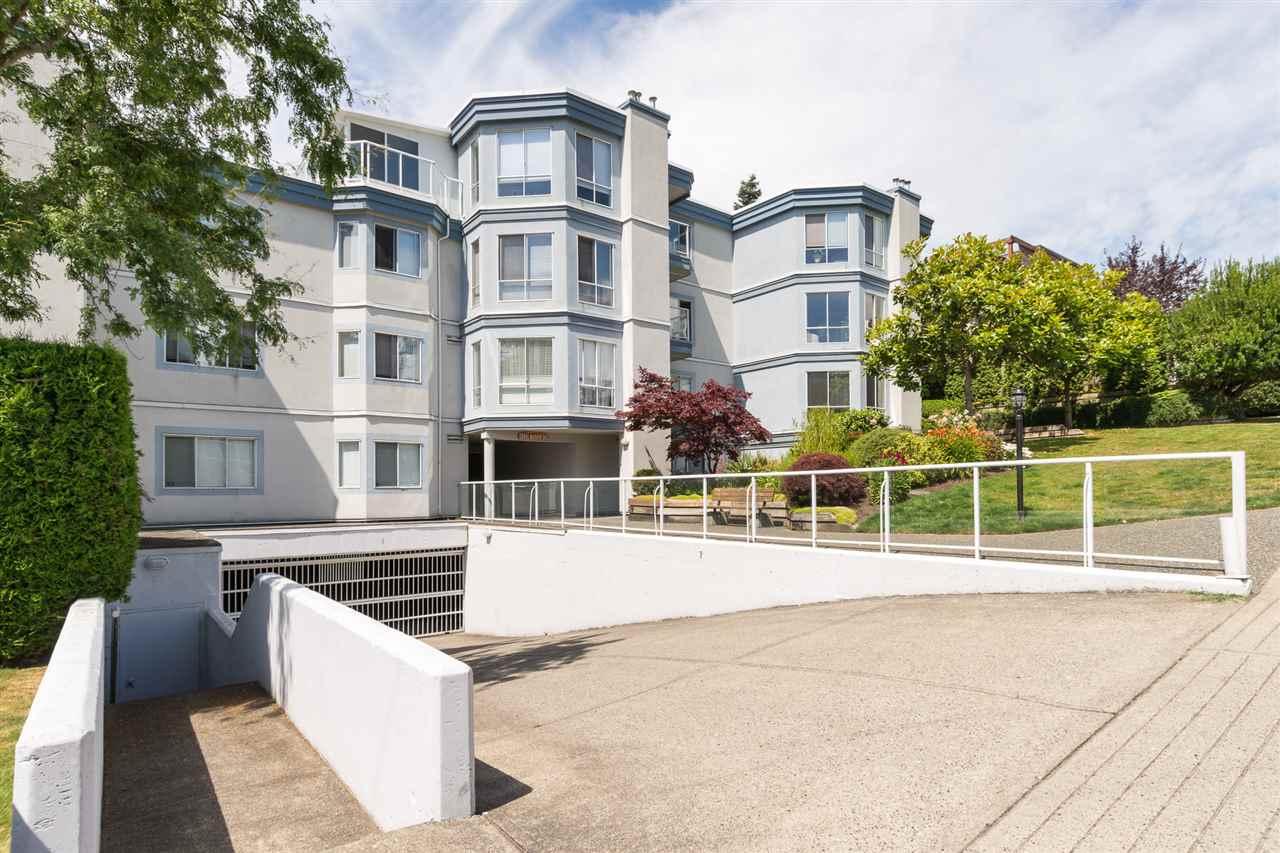 Condo Apartment at 403 15941 MARINE DRIVE, Unit 403, South Surrey White Rock, British Columbia. Image 3