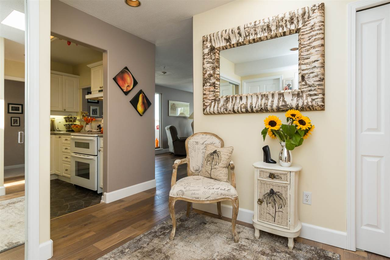 Condo Apartment at 403 15941 MARINE DRIVE, Unit 403, South Surrey White Rock, British Columbia. Image 5