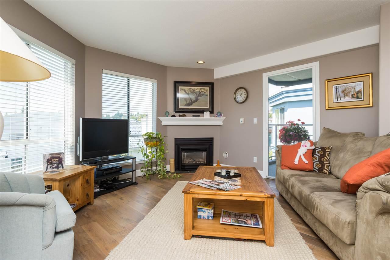Condo Apartment at 403 15941 MARINE DRIVE, Unit 403, South Surrey White Rock, British Columbia. Image 10