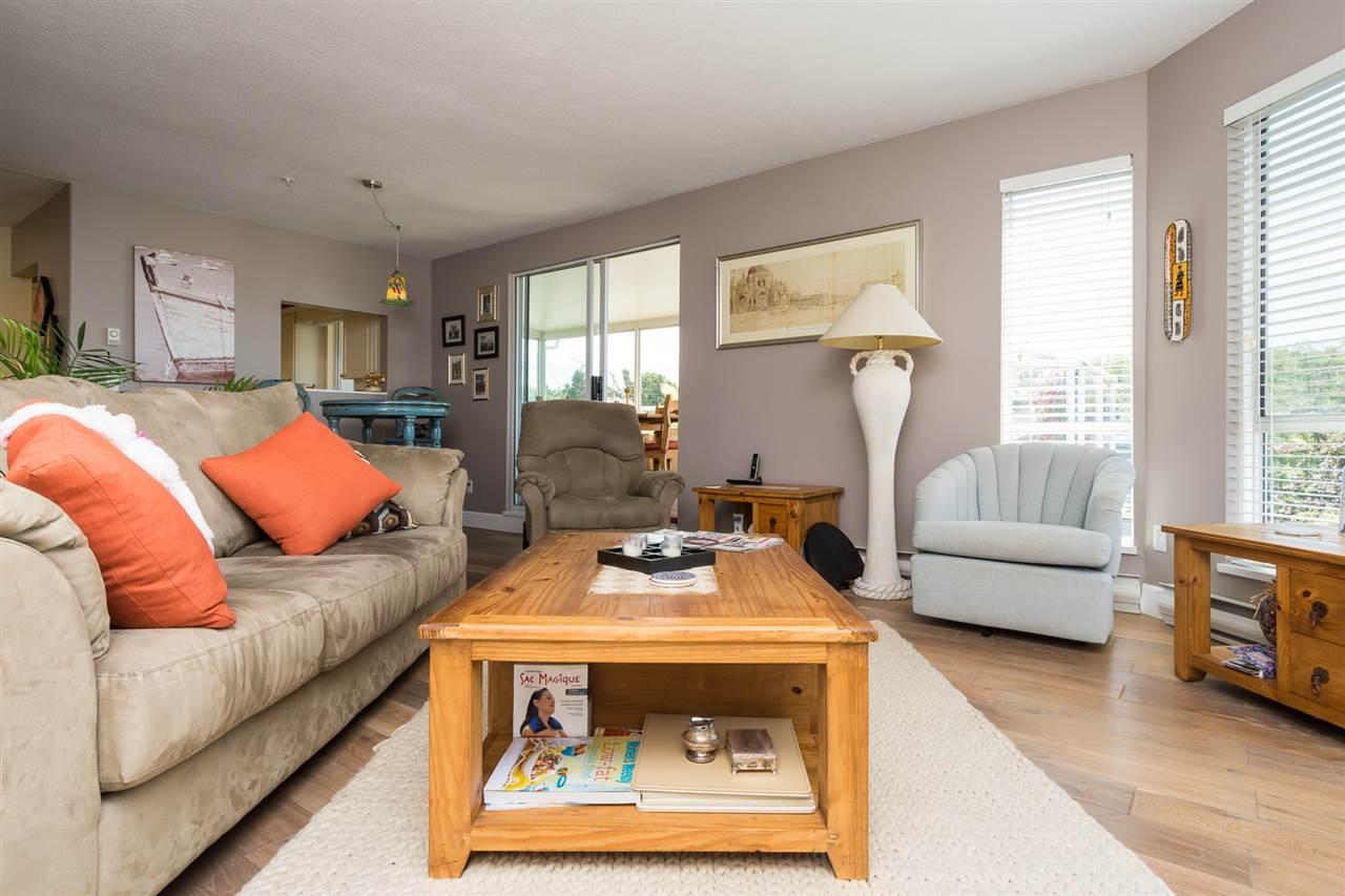 Condo Apartment at 403 15941 MARINE DRIVE, Unit 403, South Surrey White Rock, British Columbia. Image 11