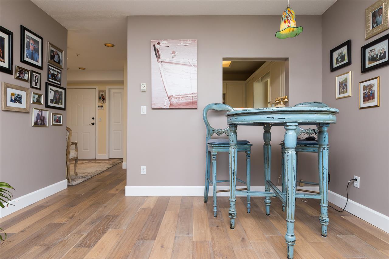 Condo Apartment at 403 15941 MARINE DRIVE, Unit 403, South Surrey White Rock, British Columbia. Image 12