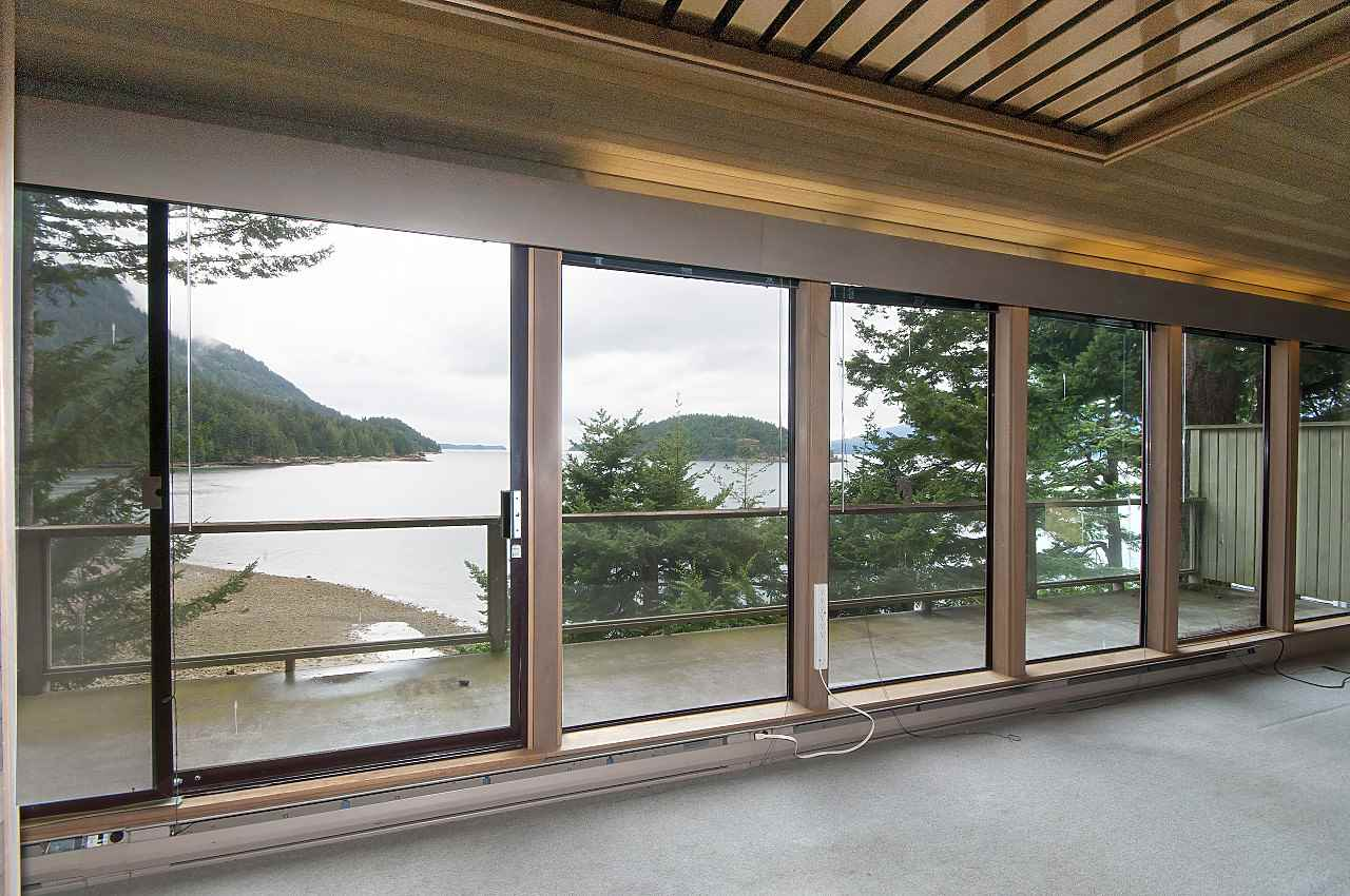 Detached at 1710 WOODS ROAD, Bowen Island, British Columbia. Image 10