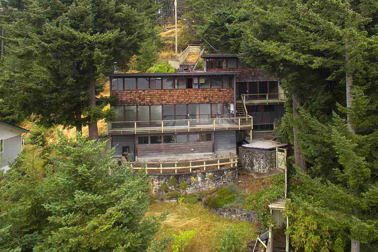 Detached at 1710 WOODS ROAD, Bowen Island, British Columbia. Image 18