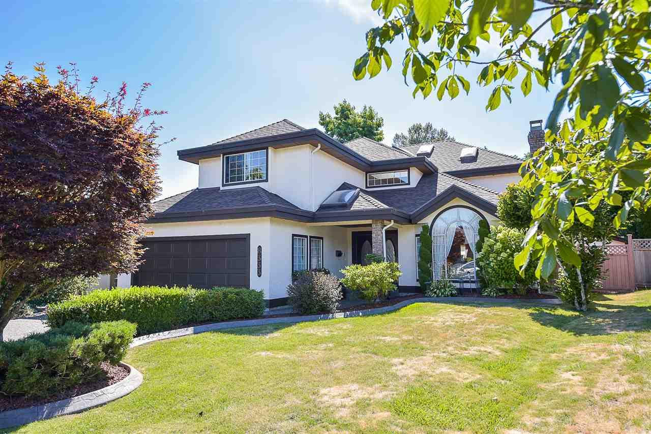 Detached at 8333 148B STREET, Surrey, British Columbia. Image 2