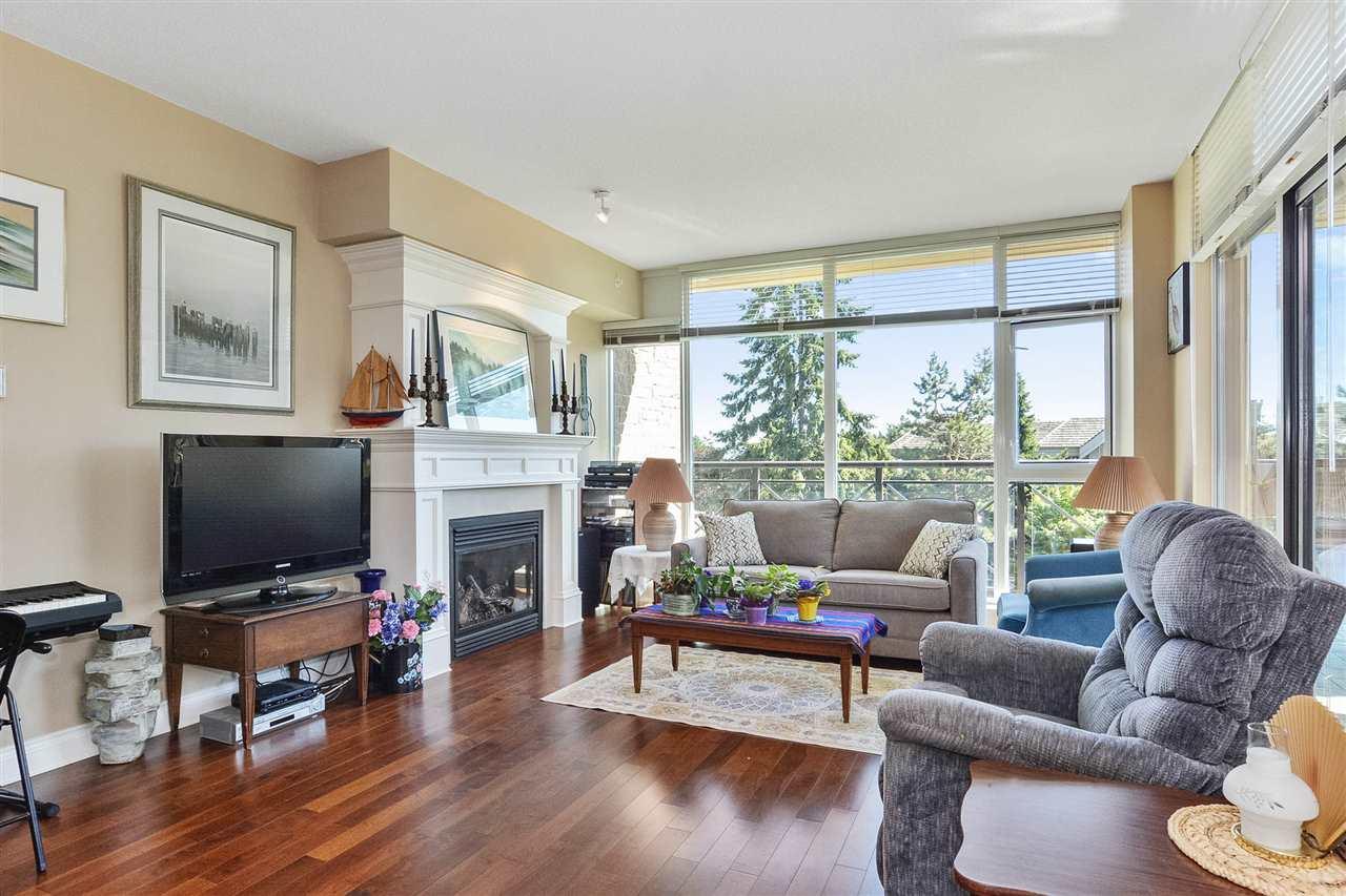 Condo Apartment at 301 15445 VINE AVENUE, Unit 301, South Surrey White Rock, British Columbia. Image 9
