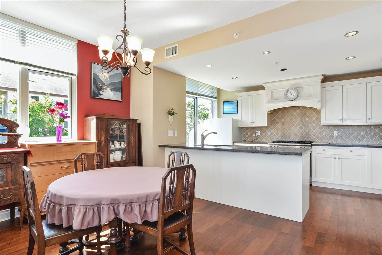 Condo Apartment at 301 15445 VINE AVENUE, Unit 301, South Surrey White Rock, British Columbia. Image 11