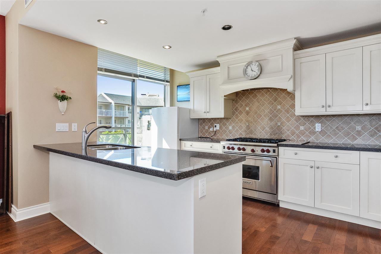 Condo Apartment at 301 15445 VINE AVENUE, Unit 301, South Surrey White Rock, British Columbia. Image 12