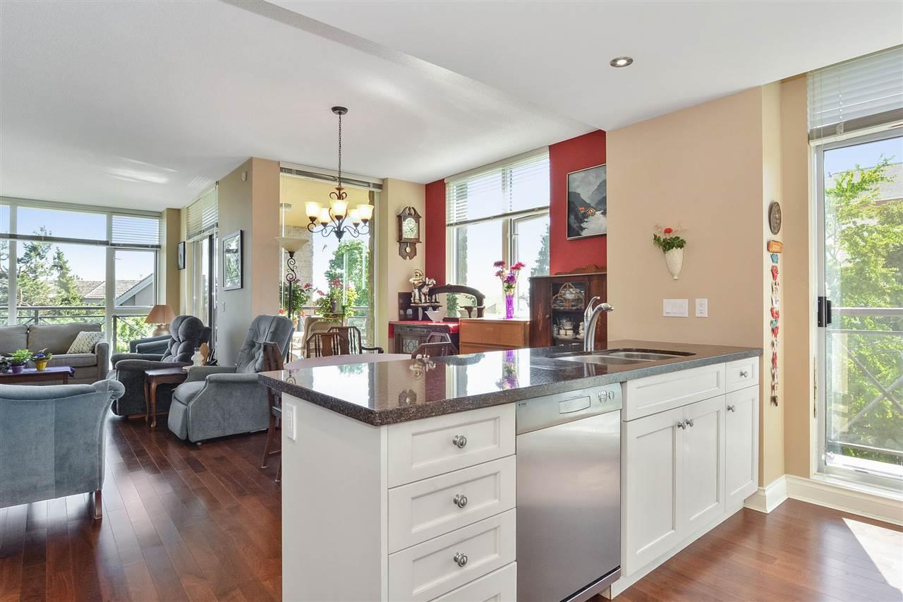 Condo Apartment at 301 15445 VINE AVENUE, Unit 301, South Surrey White Rock, British Columbia. Image 14