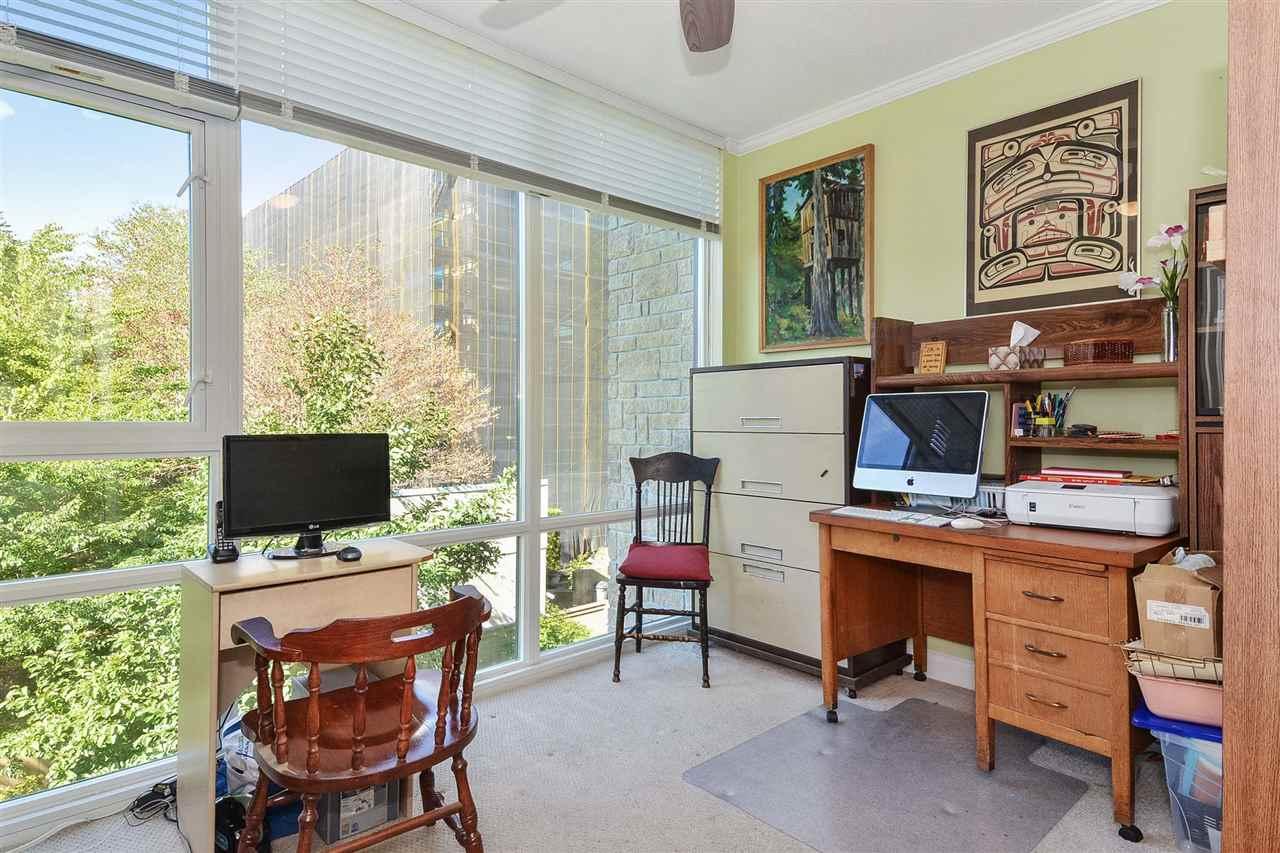Condo Apartment at 301 15445 VINE AVENUE, Unit 301, South Surrey White Rock, British Columbia. Image 16