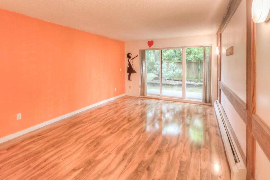 Condo Apartment at 101 2416 W 3RD AVENUE, Unit 101, Vancouver West, British Columbia. Image 2
