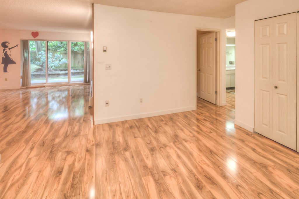 Condo Apartment at 101 2416 W 3RD AVENUE, Unit 101, Vancouver West, British Columbia. Image 4