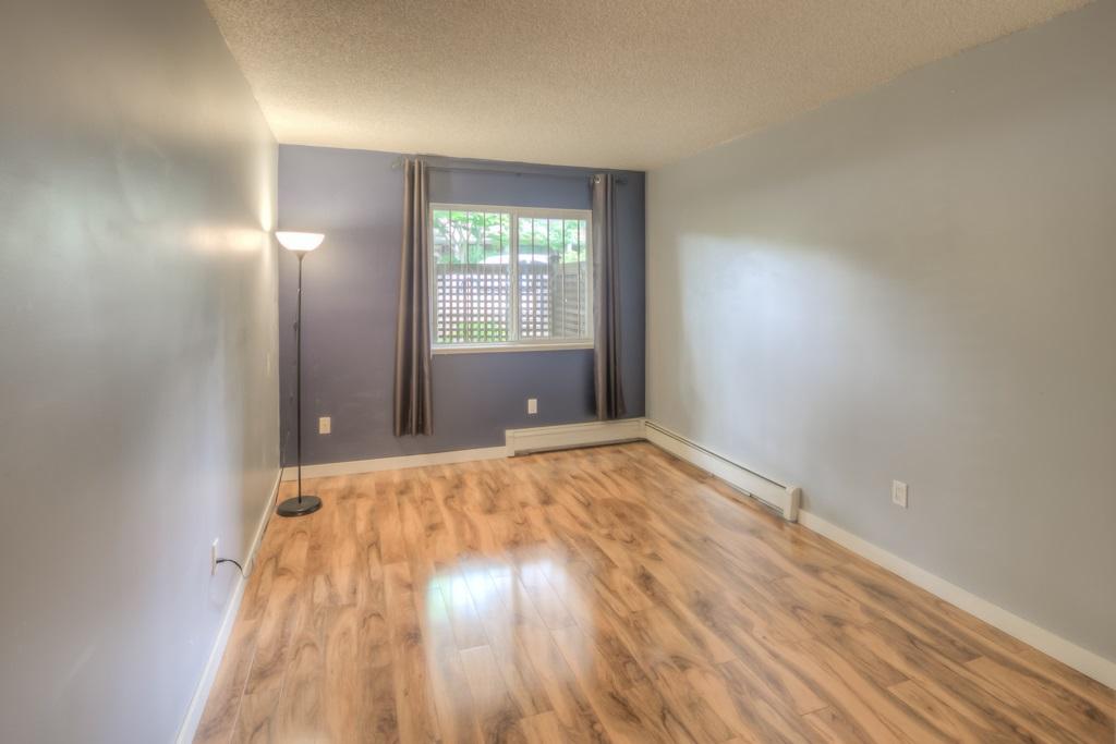 Condo Apartment at 101 2416 W 3RD AVENUE, Unit 101, Vancouver West, British Columbia. Image 9