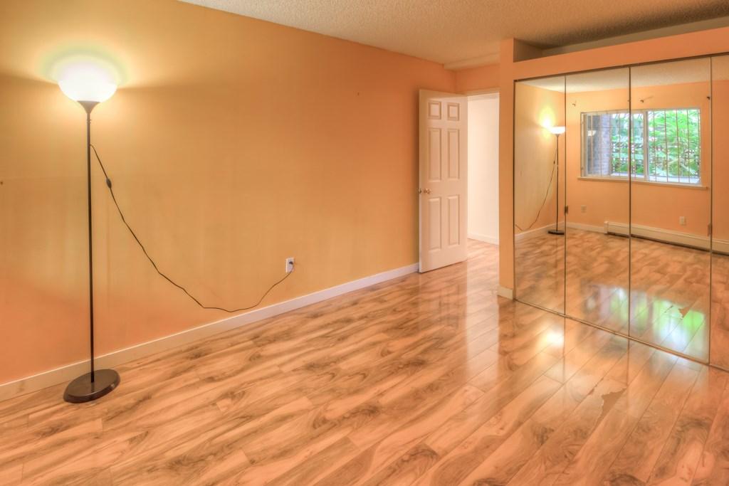 Condo Apartment at 101 2416 W 3RD AVENUE, Unit 101, Vancouver West, British Columbia. Image 12