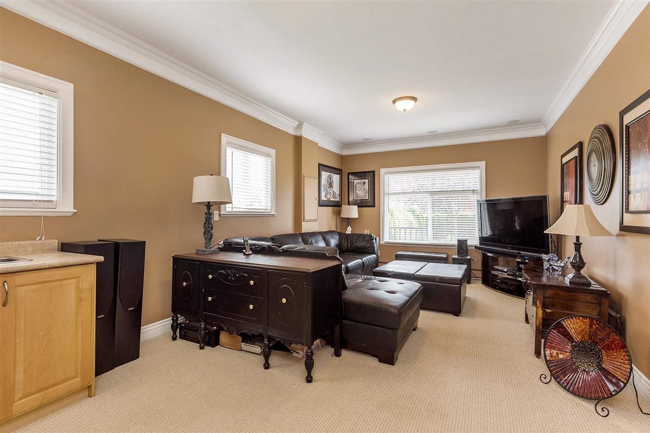 Detached at 18205 60TH AVENUE, Cloverdale, British Columbia. Image 10