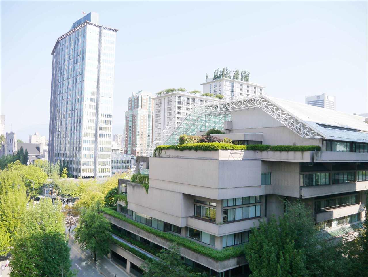 Condo Apartment at 701 1010 HOWE STREET, Unit 701, Vancouver West, British Columbia. Image 1