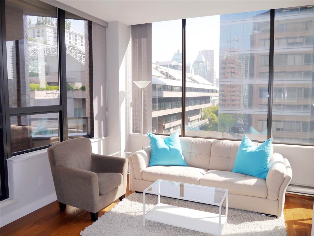 Condo Apartment at 701 1010 HOWE STREET, Unit 701, Vancouver West, British Columbia. Image 2