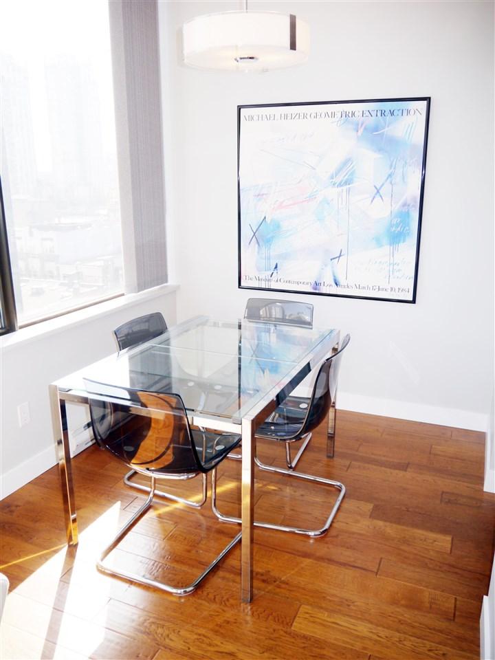 Condo Apartment at 701 1010 HOWE STREET, Unit 701, Vancouver West, British Columbia. Image 4