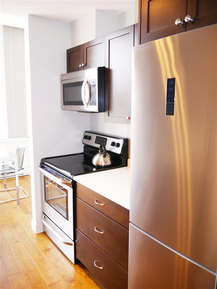 Condo Apartment at 701 1010 HOWE STREET, Unit 701, Vancouver West, British Columbia. Image 5
