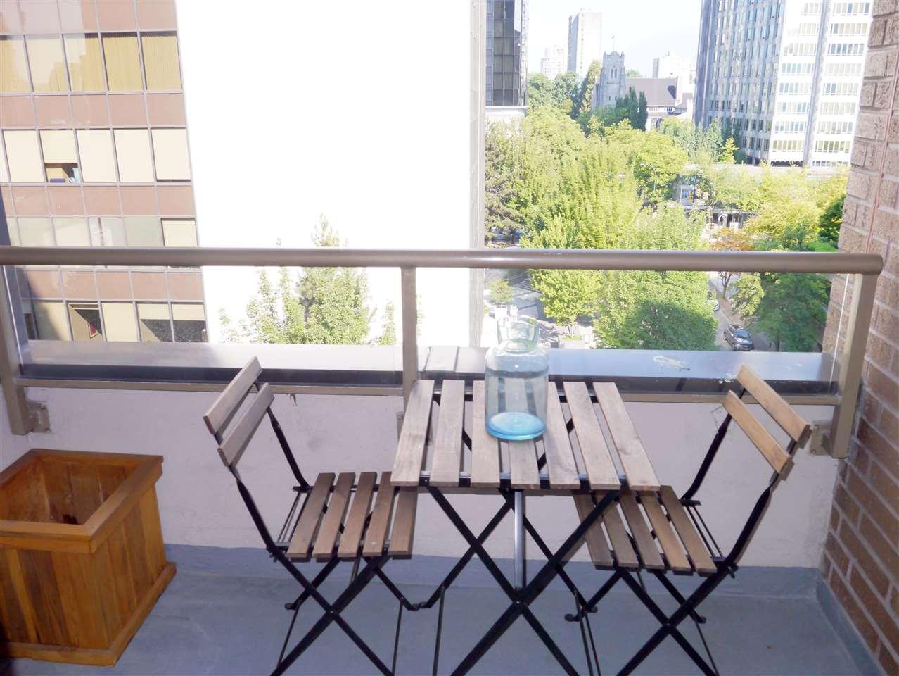 Condo Apartment at 701 1010 HOWE STREET, Unit 701, Vancouver West, British Columbia. Image 11