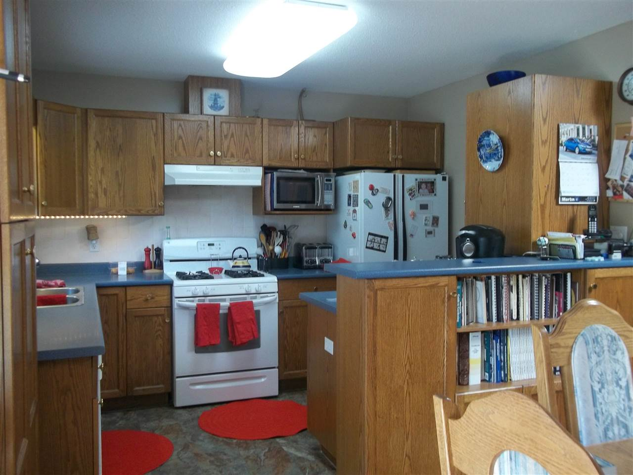 Detached at 254 MIAMI RIVER DRIVE, Harrison Hot Springs, British Columbia. Image 2