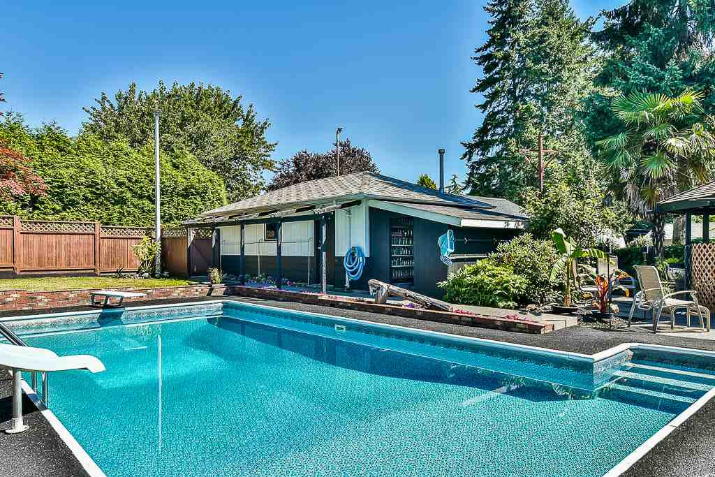 Detached at 14705 69 AVENUE, Surrey, British Columbia. Image 19