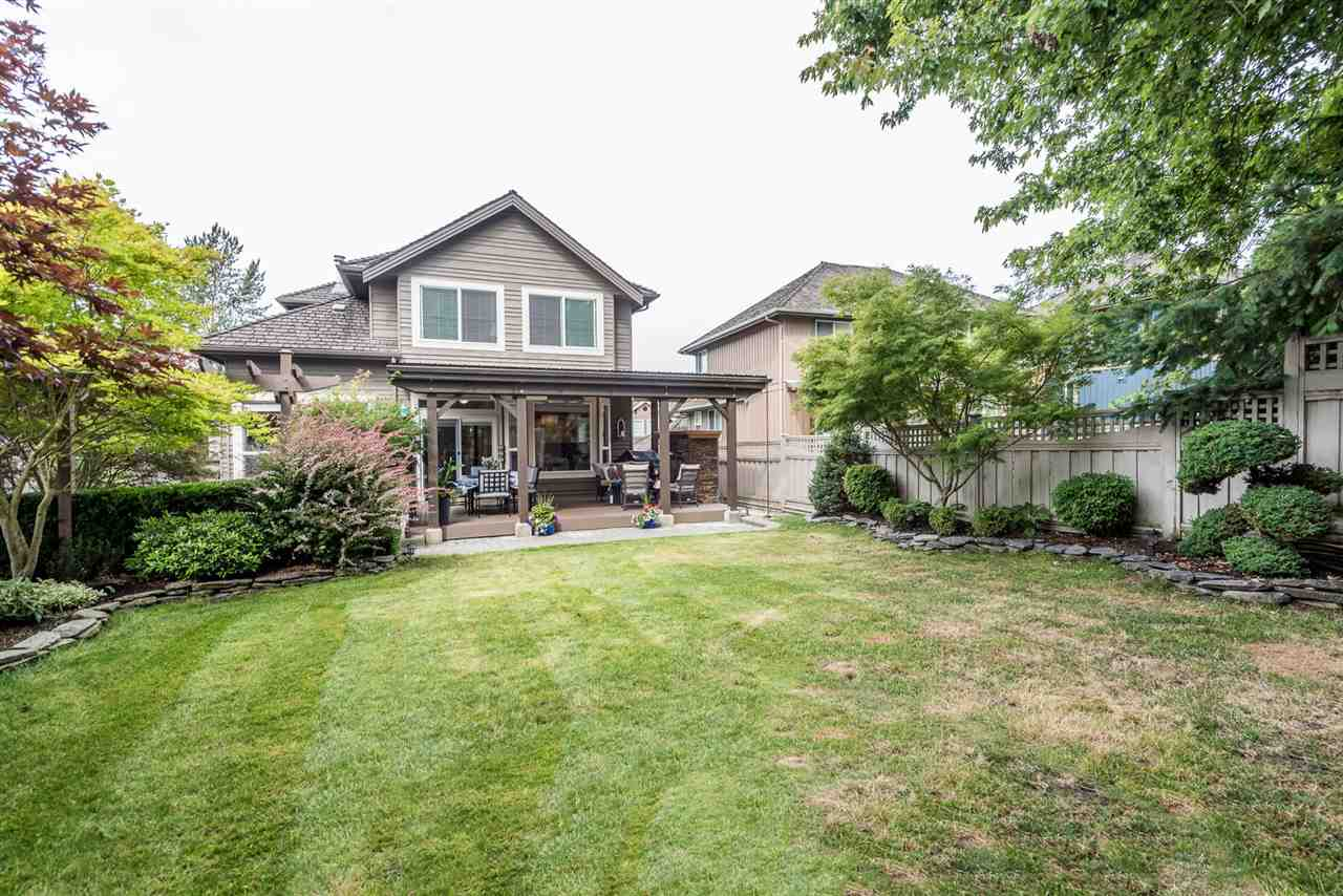 Detached at 15299 SEQUOIA DRIVE, Surrey, British Columbia. Image 2