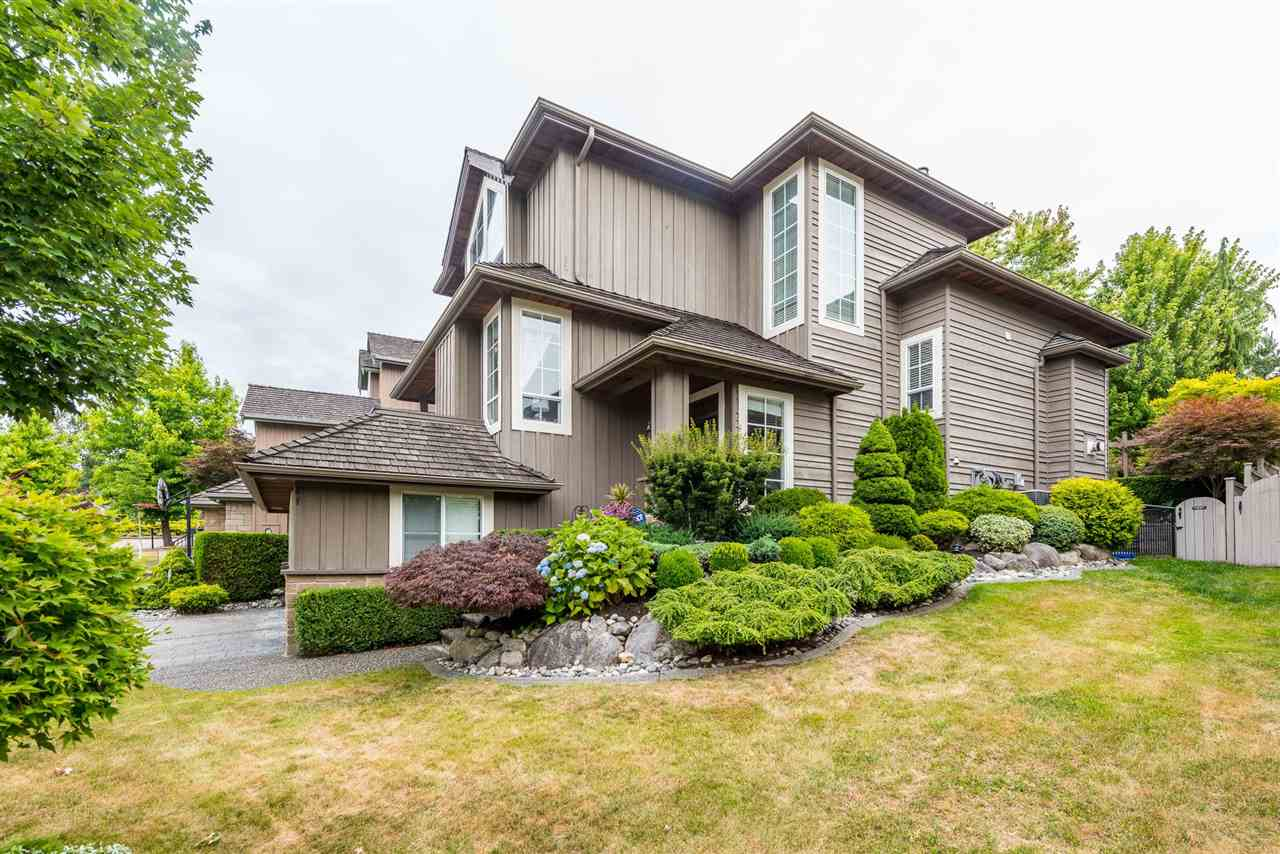 Detached at 15299 SEQUOIA DRIVE, Surrey, British Columbia. Image 6