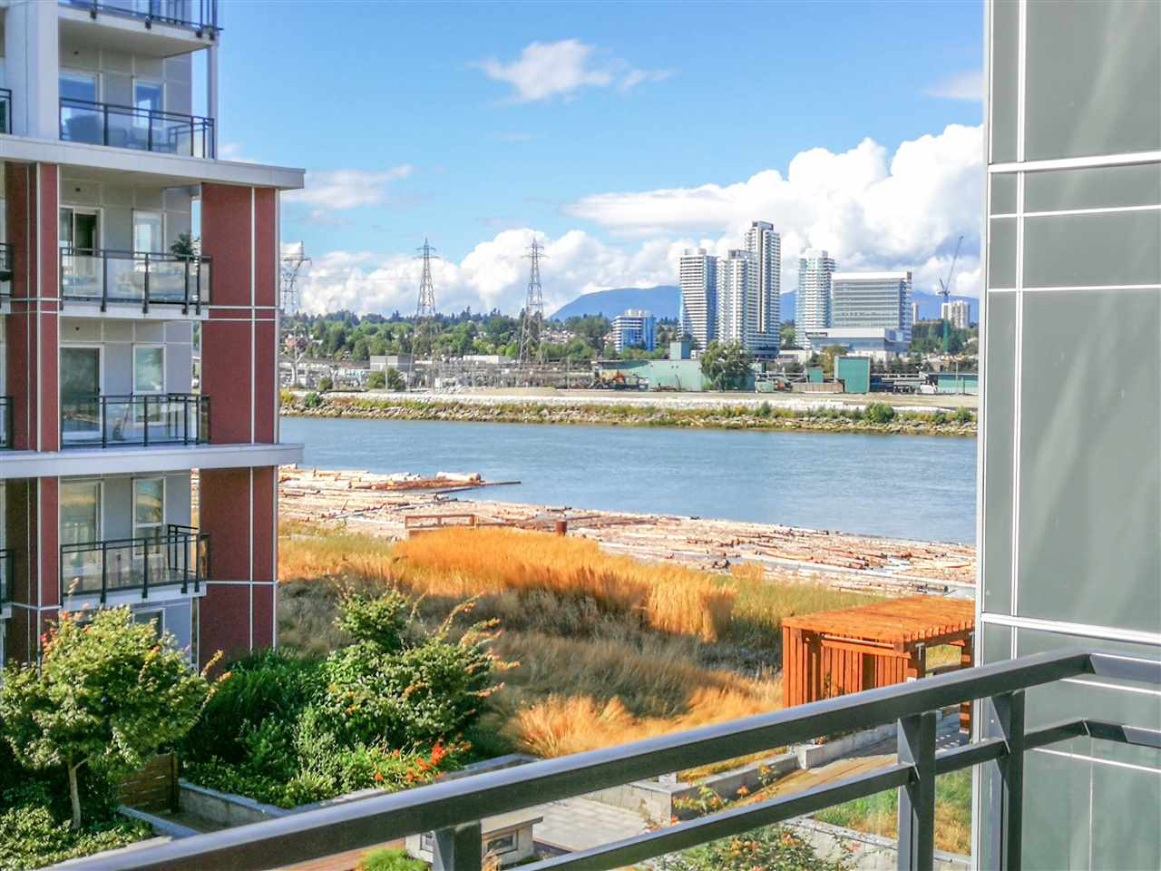 Condo Apartment at 302 10155 RIVER DRIVE, Unit 302, Richmond, British Columbia. Image 6