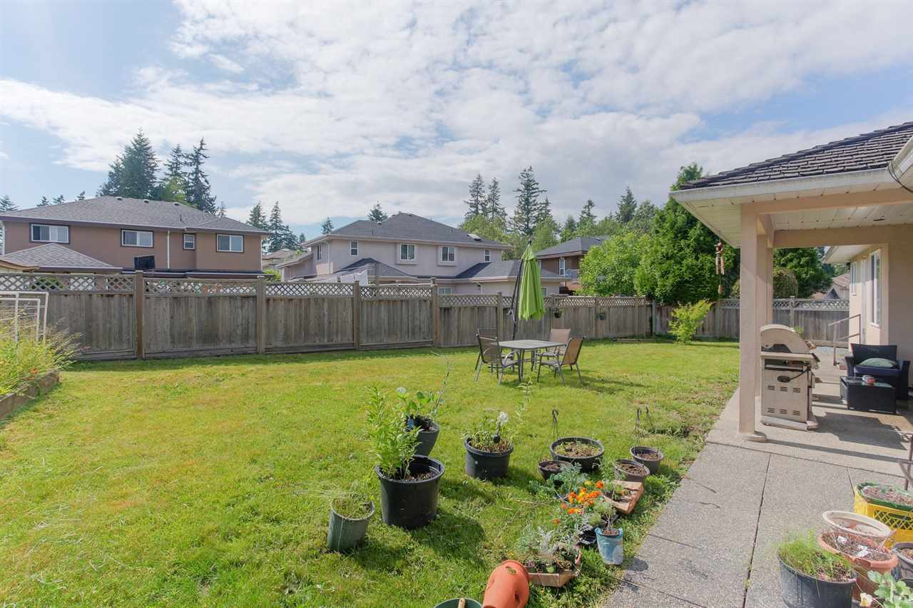 Detached at 5921 137A STREET, Surrey, British Columbia. Image 7