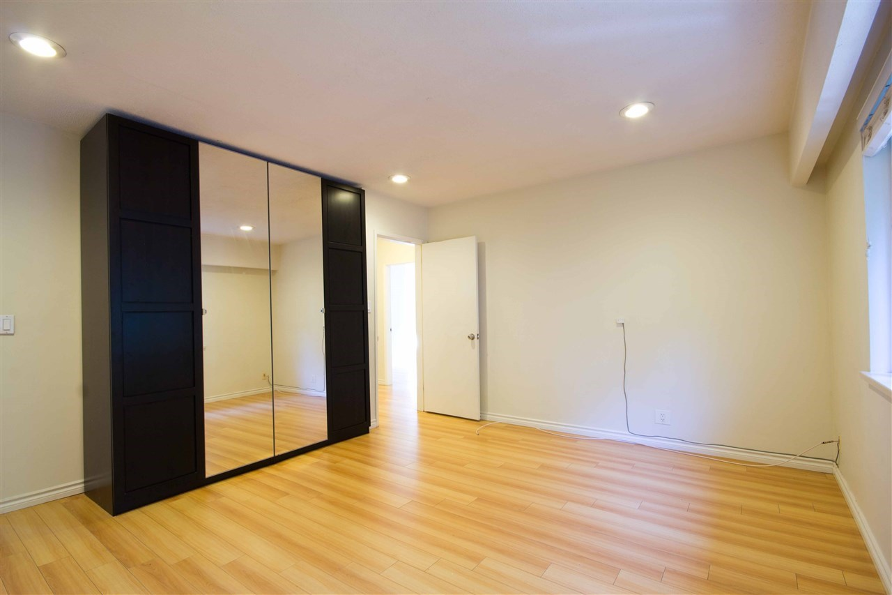 Detached at 1725 SW MARINE DRIVE, Vancouver West, British Columbia. Image 10