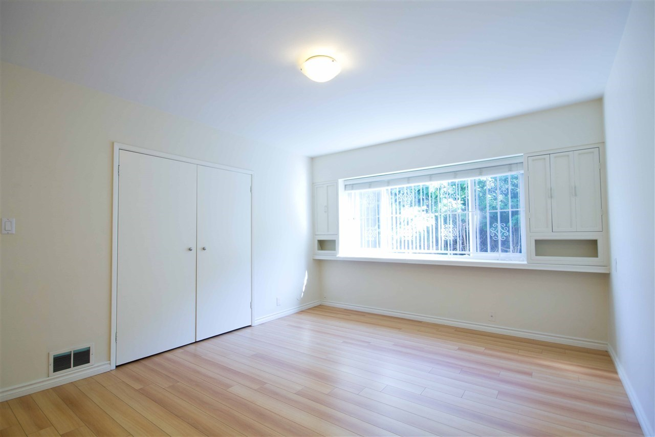 Detached at 1725 SW MARINE DRIVE, Vancouver West, British Columbia. Image 12