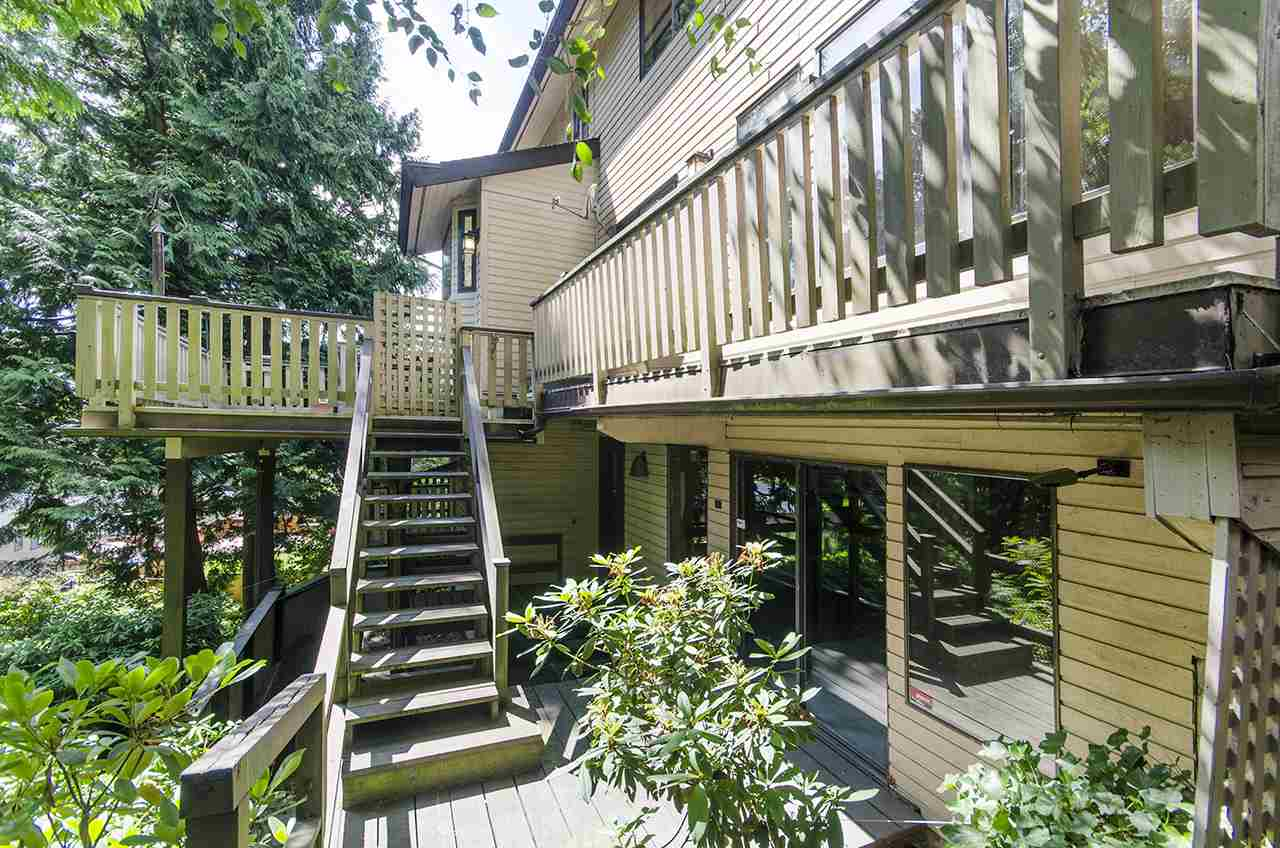 Detached at 8330 NELSON AVENUE, Burnaby South, British Columbia. Image 3