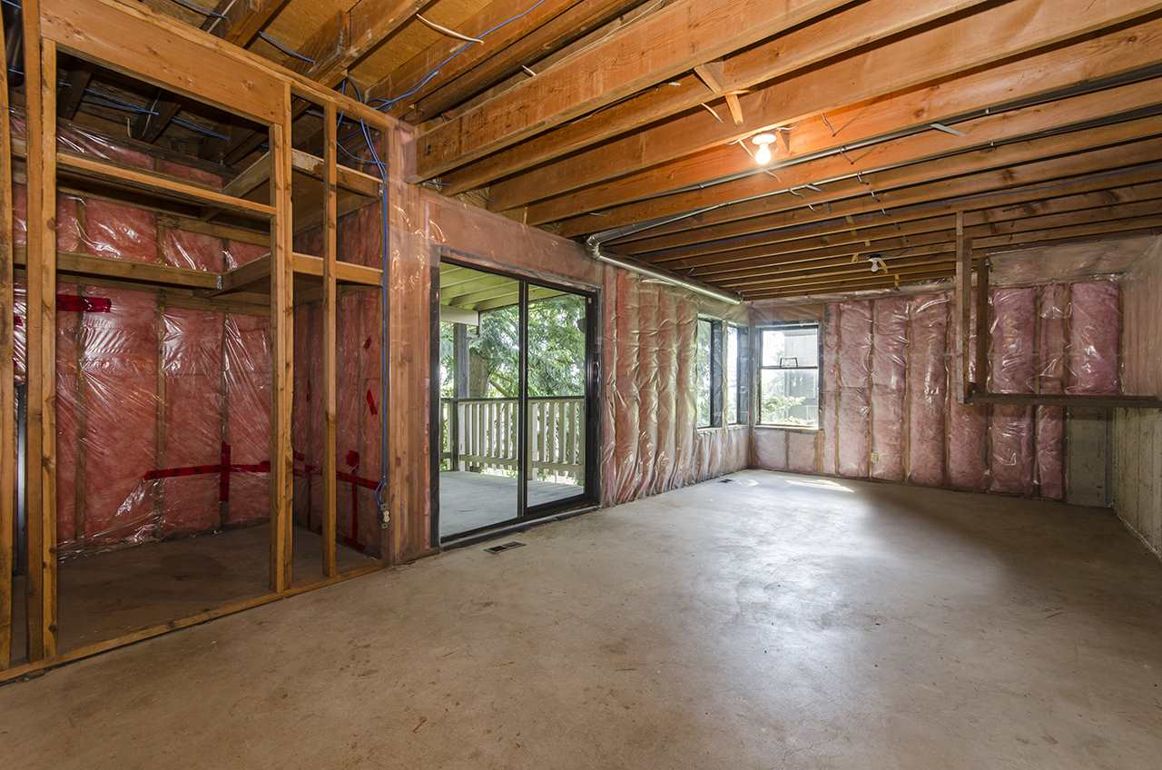 Detached at 8330 NELSON AVENUE, Burnaby South, British Columbia. Image 13