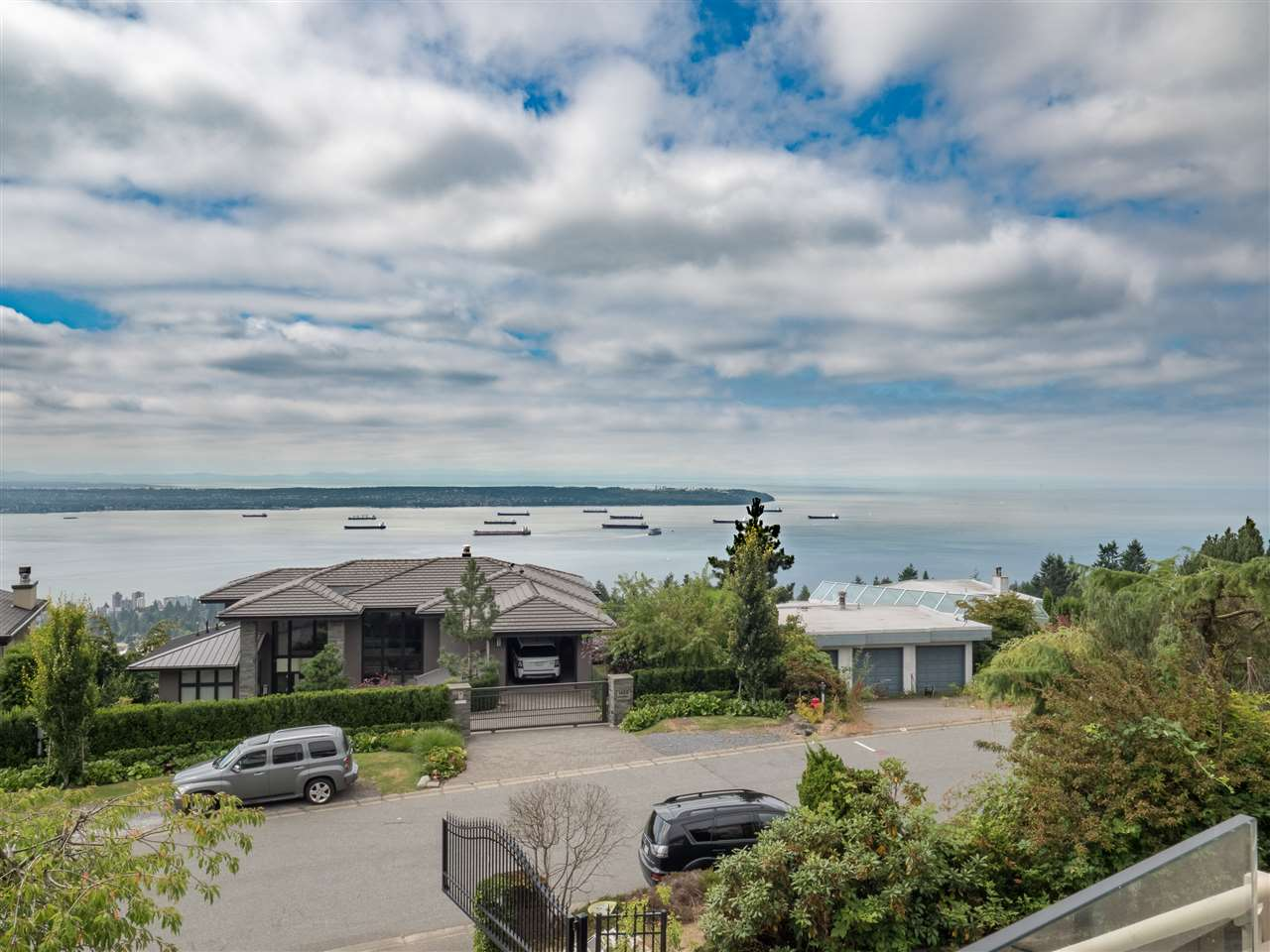 Detached at 1455 BRAMWELL ROAD, West Vancouver, British Columbia. Image 14